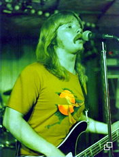 Pete performs with Matriarch, 1975.